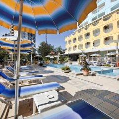 Hotel Colorado бассейн
