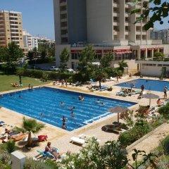 Отель Apartamentos Turisticos Jardins Da Rocha бассейн
