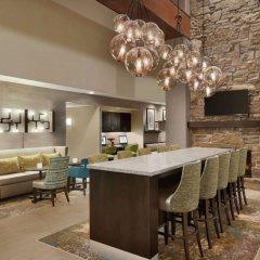 Отель Hampton Inn & Suites Springdale гостиничный бар
