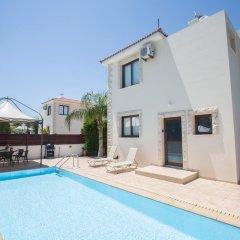 Отель Zouvanis Luxury Villas Кипр, Протарас - отзывы, цены и фото номеров - забронировать отель Zouvanis Luxury Villas онлайн бассейн фото 3