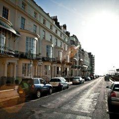 Отель Brighton House парковка