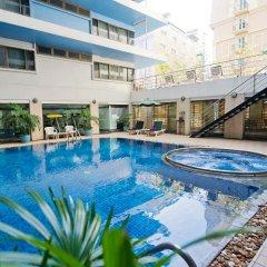 Отель Kingston Suites Bangkok бассейн фото 3