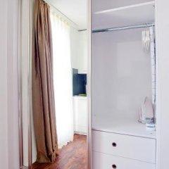Апартаменты Suite Apartments By Livingdowntown Цюрих сейф в номере