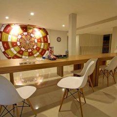 Отель CHERN Hostel Таиланд, Бангкок - 2 отзыва об отеле, цены и фото номеров - забронировать отель CHERN Hostel онлайн гостиничный бар