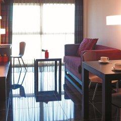Отель Hesperia Fira Suites в номере фото 3