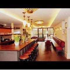 Отель Omega Hotel Amsterdam Нидерланды, Амстердам - 9 отзывов об отеле, цены и фото номеров - забронировать отель Omega Hotel Amsterdam онлайн гостиничный бар фото 2