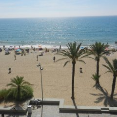 Отель Calafell Beach пляж фото 2