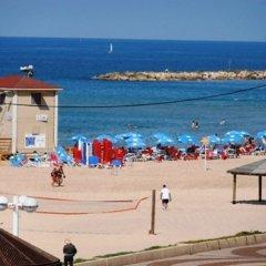 Gordon Inn & Suites Израиль, Тель-Авив - 6 отзывов об отеле, цены и фото номеров - забронировать отель Gordon Inn & Suites онлайн пляж фото 2