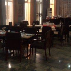Отель Golden Tulip Airport Hotel Нигерия, Варри - отзывы, цены и фото номеров - забронировать отель Golden Tulip Airport Hotel онлайн питание