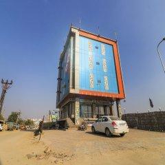 OYO 24615 Hotel Shivam Palace парковка