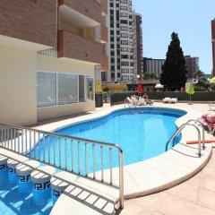 Отель Apartamentos Benimar Испания, Бенидорм - отзывы, цены и фото номеров - забронировать отель Apartamentos Benimar онлайн бассейн фото 2