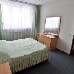Гостиница Нефтяник в Тюмени 1 отзыв об отеле, цены и фото номеров - забронировать гостиницу Нефтяник онлайн Тюмень комната для гостей фото 2