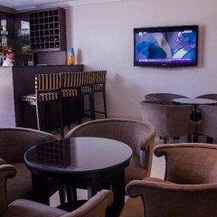 Отель S&S Hotels and Suites гостиничный бар