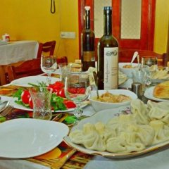 Отель Гостевой Дом Eco-House Грузия, Тбилиси - отзывы, цены и фото номеров - забронировать отель Гостевой Дом Eco-House онлайн питание фото 2