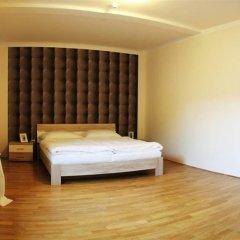 Отель Rezidence čertovka Карловы Вары сейф в номере