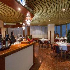 Отель Samokov Болгария, Боровец - 1 отзыв об отеле, цены и фото номеров - забронировать отель Samokov онлайн гостиничный бар