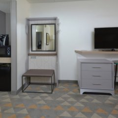 Отель Holiday Inn Raleigh Durham Airport удобства в номере