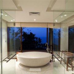 Отель Paresa Resort Пхукет ванная