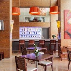 Отель Ilunion Valencia 3 Валенсия гостиничный бар