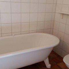 Отель Lilla Hotellet Швеция, Лунд - отзывы, цены и фото номеров - забронировать отель Lilla Hotellet онлайн ванная фото 2