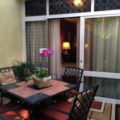 Отель Dickinson Guest House балкон