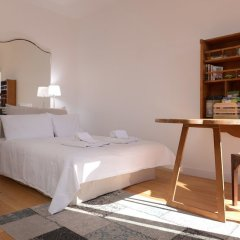 Апартаменты Apartment With 4 Bedrooms in Lisboa, With Wonderful City View, Furnish комната для гостей