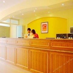 Отель Home Inn (Xi'an Petroleum University) Китай, Сиань - отзывы, цены и фото номеров - забронировать отель Home Inn (Xi'an Petroleum University) онлайн интерьер отеля