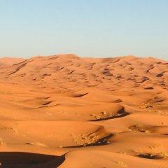 Отель Sahara Sabaku Tour Camp Марокко, Мерзуга - отзывы, цены и фото номеров - забронировать отель Sahara Sabaku Tour Camp онлайн приотельная территория фото 2