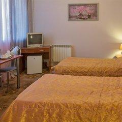 Гостиница Уютная в Оренбурге 10 отзывов об отеле, цены и фото номеров - забронировать гостиницу Уютная онлайн Оренбург комната для гостей фото 3