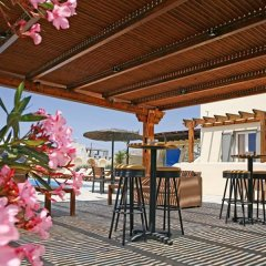 Отель Thera Mare Hotel Греция, Остров Санторини - 1 отзыв об отеле, цены и фото номеров - забронировать отель Thera Mare Hotel онлайн гостиничный бар
