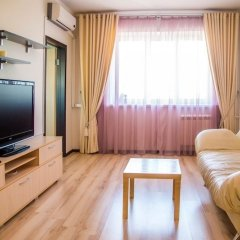 Апартаменты Apartment on Aviatorov 23 Красноярск комната для гостей фото 4