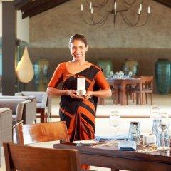 Отель Centara Ceysands Resorts And Spa Шри-Ланка, Бентота - отзывы, цены и фото номеров - забронировать отель Centara Ceysands Resorts And Spa онлайн питание фото 3