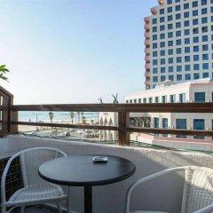 Отель Liber Seashore Suites Тель-Авив балкон