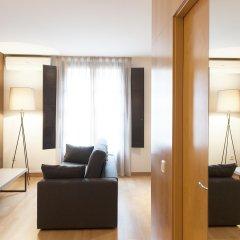 Апартаменты Aspasios Plaza Real Apartments комната для гостей фото 3