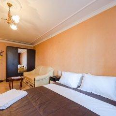 Гостиница Partner Guest House Khreschatyk комната для гостей фото 2