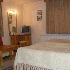 Отель Kadeva House Банско комната для гостей