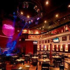 Отель Hard Rock Hotel Penang Малайзия, Пенанг - отзывы, цены и фото номеров - забронировать отель Hard Rock Hotel Penang онлайн гостиничный бар