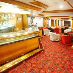 The Diplomat Hotel гостиничный бар