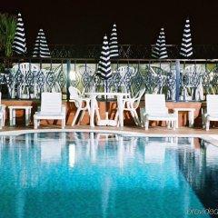 Отель Winchester Grand Hotel Apartments ОАЭ, Дубай - отзывы, цены и фото номеров - забронировать отель Winchester Grand Hotel Apartments онлайн бассейн