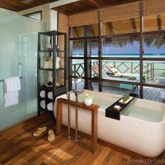 Отель Four Seasons Resort Maldives at Kuda Huraa ванная