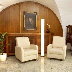 Hotel Metamorphis интерьер отеля