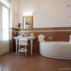 Grand Hotel Rimini ванная фото 4