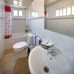 Отель Hostal Barcelona ванная