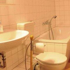 Отель Europeapartments Brüsseler Straße Германия, Берлин - 5 отзывов об отеле, цены и фото номеров - забронировать отель Europeapartments Brüsseler Straße онлайн ванная фото 2