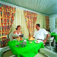 Отель Coral Sands Beach Resort спа