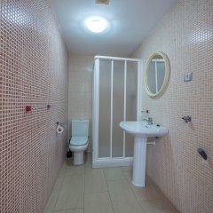 Отель Apartaments AR Espronceda Испания, Бланес - отзывы, цены и фото номеров - забронировать отель Apartaments AR Espronceda онлайн ванная