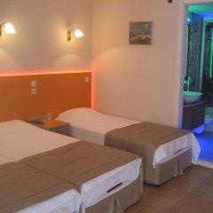 Efsane Hotel Турция, Дикили - отзывы, цены и фото номеров - забронировать отель Efsane Hotel онлайн комната для гостей фото 3