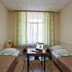 Метро-Тур хостел Стандартный номер с двуспальной кроватью фото 11