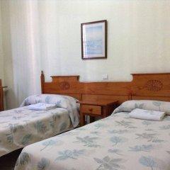 Отель Hostal Nilo сейф в номере