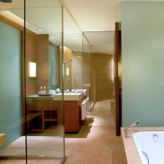 Отель Hyatt On The Bund ванная фото 2